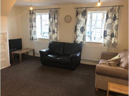 1 Bed Flat, Petts Wood Road, BR5