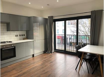 2 Bed Flat, Witham Road, W13