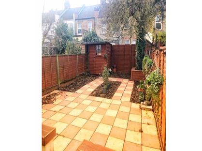 4 Bed Semi-Detached House, Heaton Road, CR4