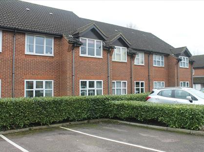 2 Bed Flat, Tongham Meadows, GU10