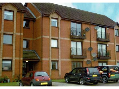 2 Bed Flat, Grove Crescent, FK2