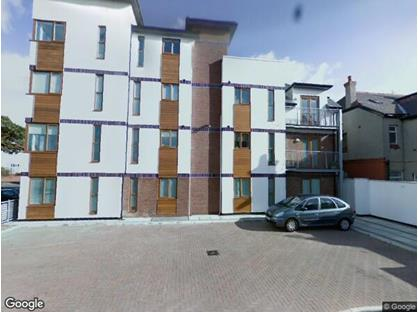 2 Bed Flat, Village Court, CH45