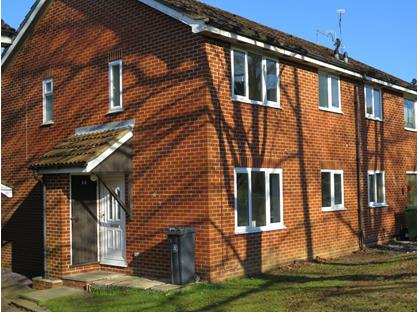 1 Bed End Terrace, The Orchard, GU18