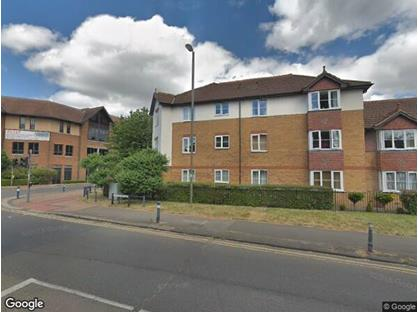2 Bed Flat, Dukes Court, KT15