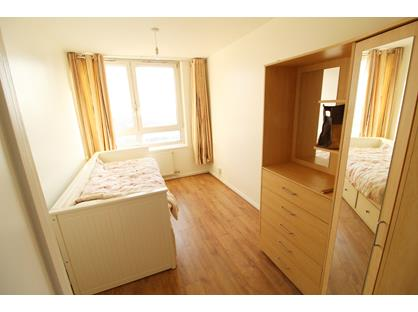 3 Bed Flat, Godfrey House, EC1V
