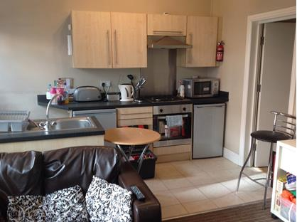 4 Bed Terraced House, Evelyn St, M14