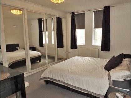 Room in a Shared House, Southdown Road, SW20