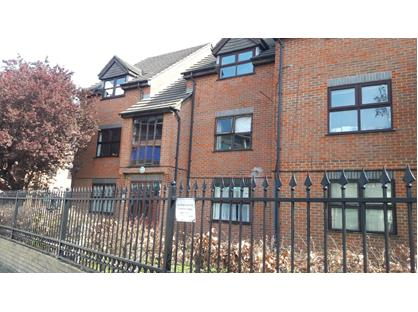 1 Bed Flat, Rugby Road, TW1