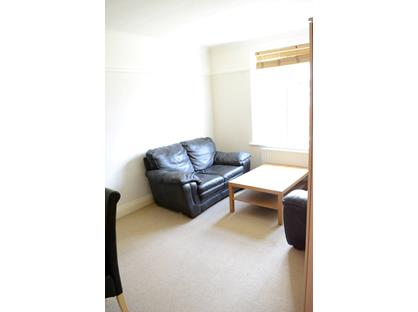 Room in a Shared Flat, Kingston, KT2