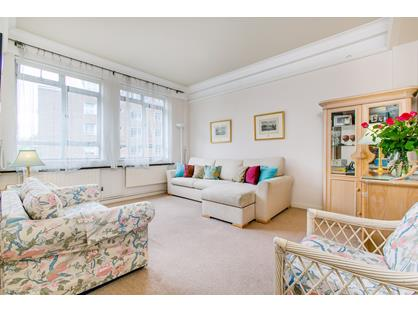 1 Bed Flat, Albany Court, SW1H