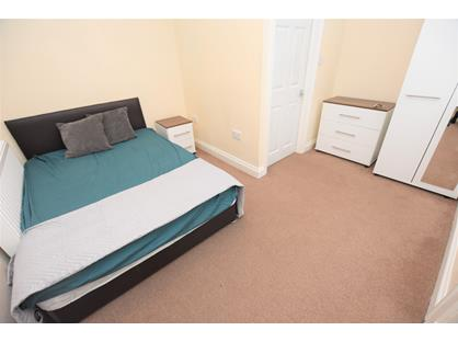 Room in a Shared House, Church Road, B31