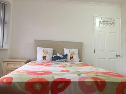 Room in a Shared House, Avon Road, TW16