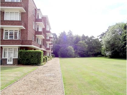 2 Bed Flat, Pinehurst, CB3