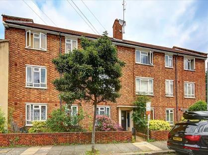 3 Bed Flat, Claxton Grove, W6