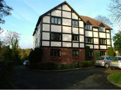 2 Bed Flat, Gables Lodge, EN4