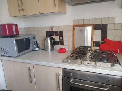 1 Bed Flat, Richmond Road, TW1
