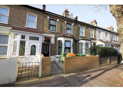 2 Bed Flat, Creighton Avenue, E6