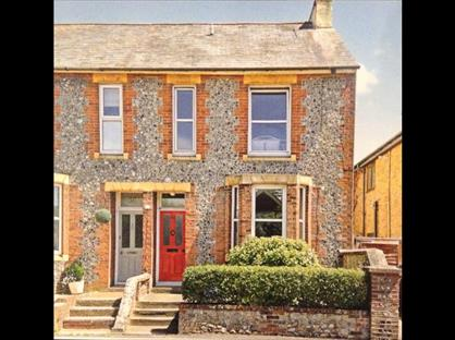 4 Bed Semi-Detached House, Whyke Road, PO19