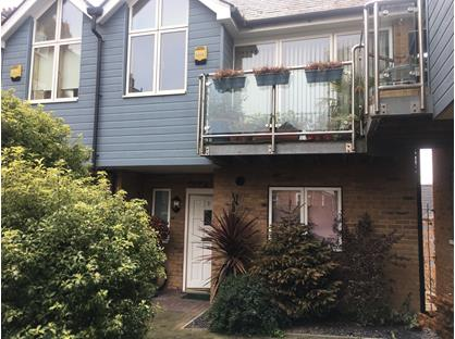 3 Bed Maisonette, Apsley Court, CT11