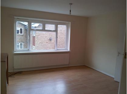 1 Bed Flat, Partridge Knoll, CR8