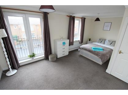 Room in a Shared Flat, Navigation Way, B18