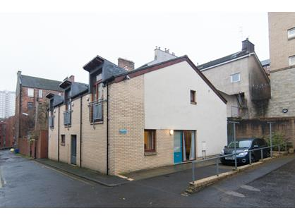 2 Bed Terraced House, Buccleuch Lane, G3