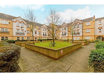 2 Bed Flat, Aaron Hill Road, E6