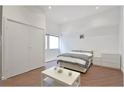 Studio Flat, Blackfen Road, DA15