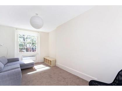 1 Bed Flat, Kensington Church Street, W8