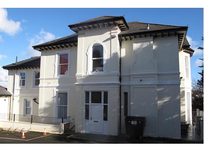 2 Bed Flat, Rawlyn Road, TQ2