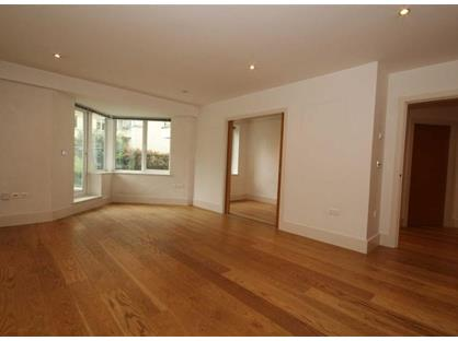 2 Bed Flat, Dorchester House, TW9