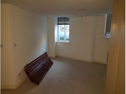 1 Bed Terraced House, Howgate House, WF13