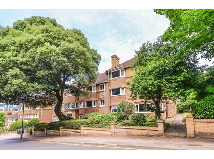 2 Bed Flat, South Bank, KT6