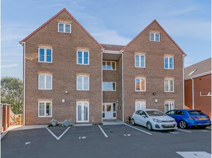 2 Bed Penthouse, Highgrove Court, S71