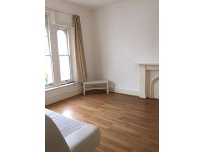 1 Bed Flat, Montague Road, TW10