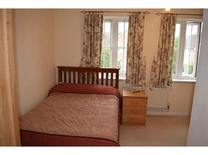 Room in a Shared House, Canterbury Close, KT4