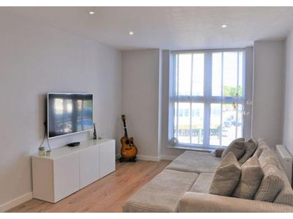2 Bed Flat, Darkes Lane, EN6