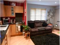 2 Bed End Terrace, Colyers Reach, CM2