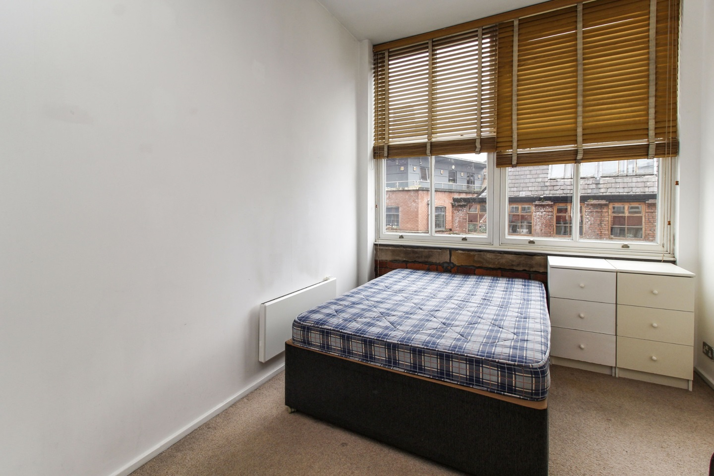 Manchester - 1 Bed Flat, Conran Building, M4 - To Rent Now ...