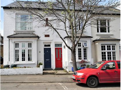 3 Bed Terraced House, Alton Road, TW9