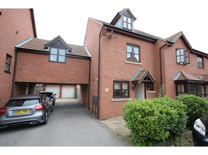 3 Bed Semi-Detached House, Berrington Grove, MK4