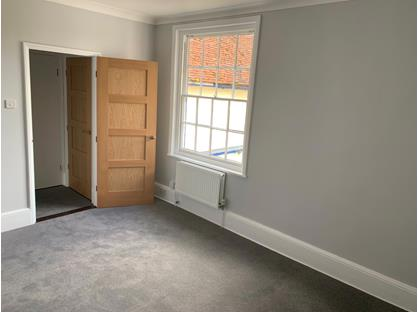 1 Bed Flat, Market Hill, CO10