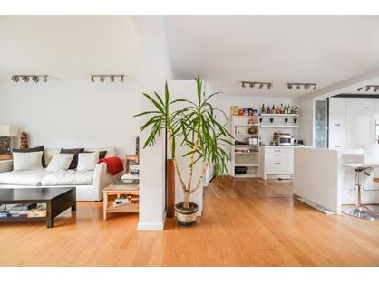 2 Bed Terraced House, Bryan Court, W1H