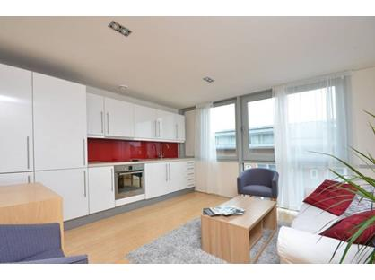 1 Bed Flat, Richmond Road, KT2