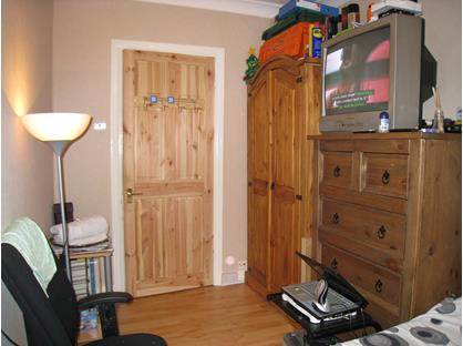 Room in a Shared Flat, Manor Road, RM1