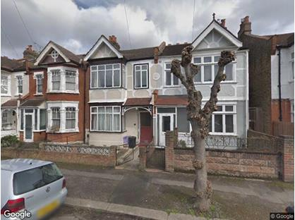 Room in a Shared House, Winifred Road, SW19