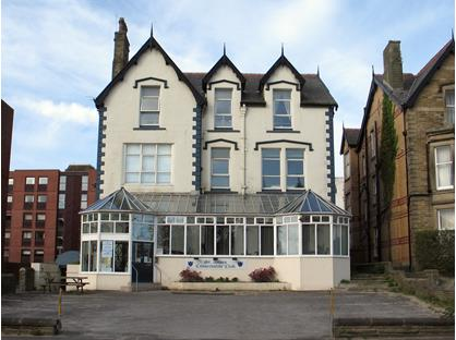 1 Bed Flat, Clifton Drive North, FY8