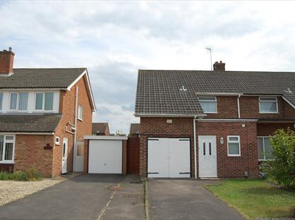 3 Bed Semi-Detached House, Parsons Mead, OX14