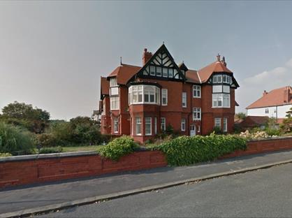 3 Bed Flat, Clifton Drive South, FY8