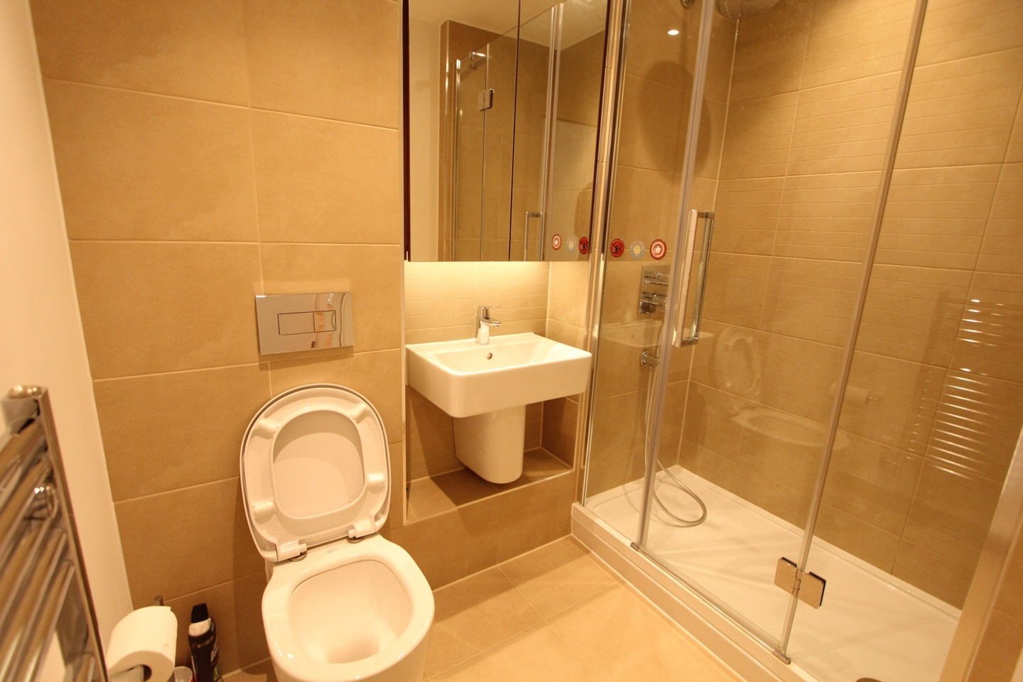 London - 2 Bed Flat, Fairbourne Road, SW4 - To Rent Now ...